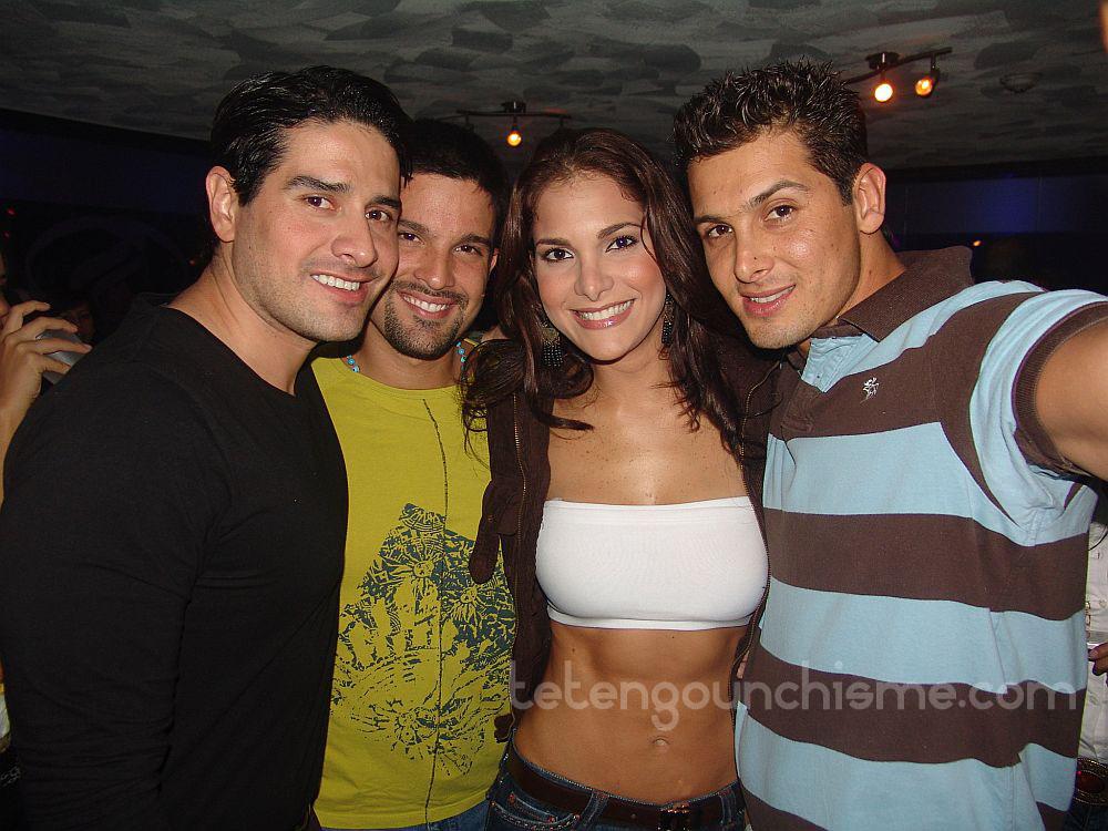 Jessika Grau junto a Juan Carlos Tarazona, Carlos Guillermo Haydon, y Hugo Vázquez