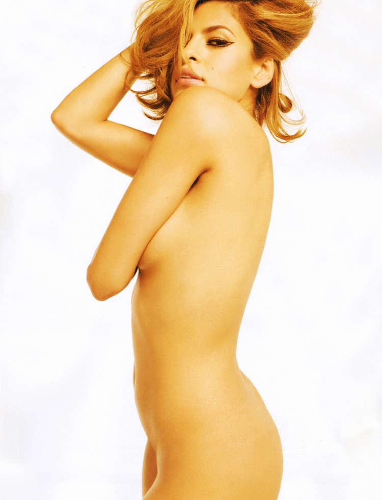 Eva Mendes posando para la revista DT