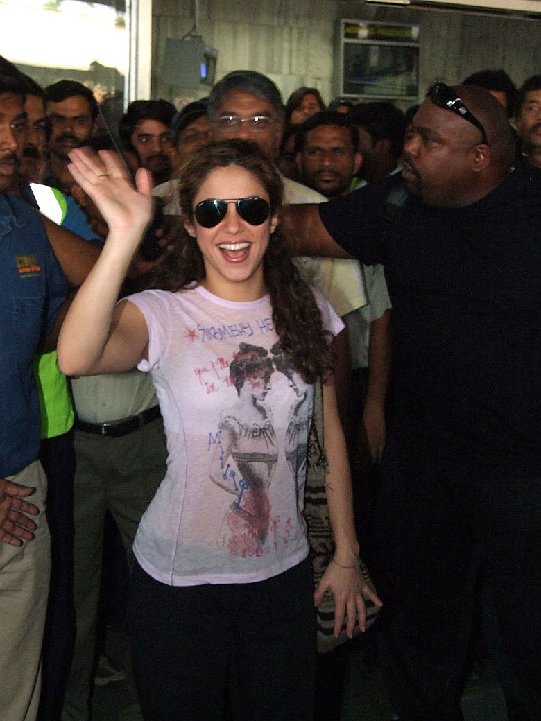Shakira en su llegada a India
