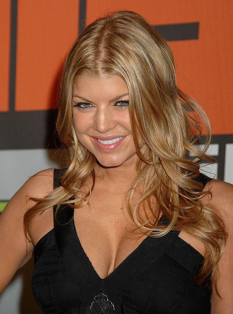 Fergie es/era lesbiana